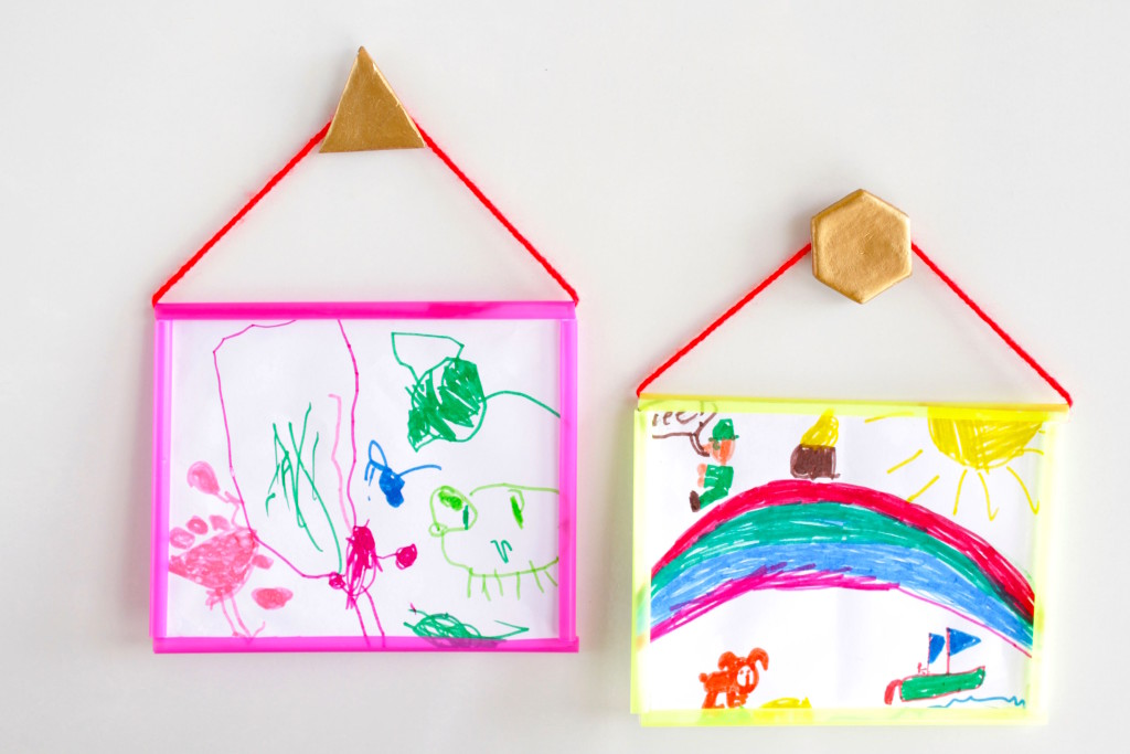 How-to-make-a-picture-frame-using-plastic-straws1-1024x683