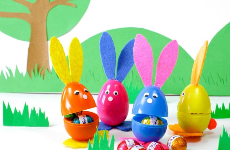 make-these-adorable-bunnies-out-of-plastic-eggs-for-easter-997x1024