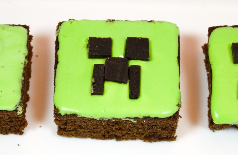 minecraft-creeper-cakes-2-1024x681