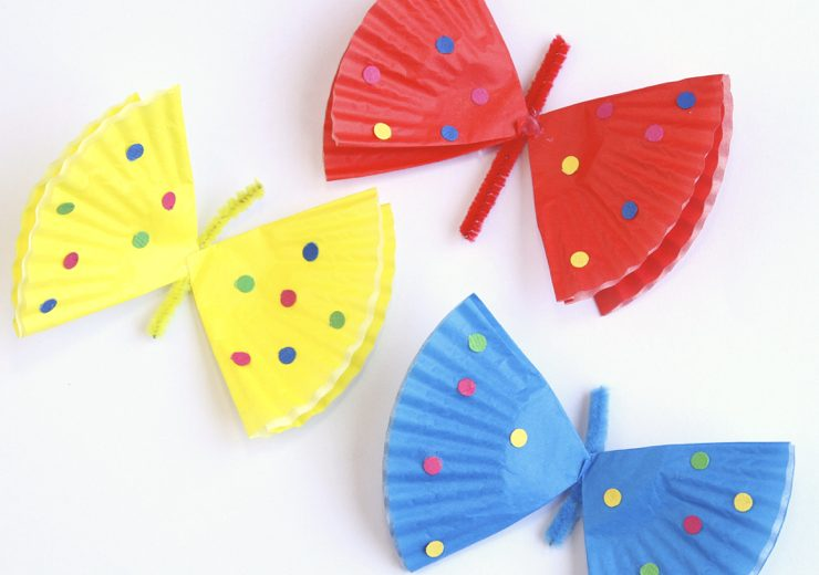 how-to-make-cute-butterflies-out-of-cupcake-liners-001