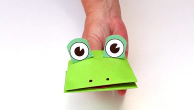 Make film play bringing kids crafts to life through for Frog finger puppet template